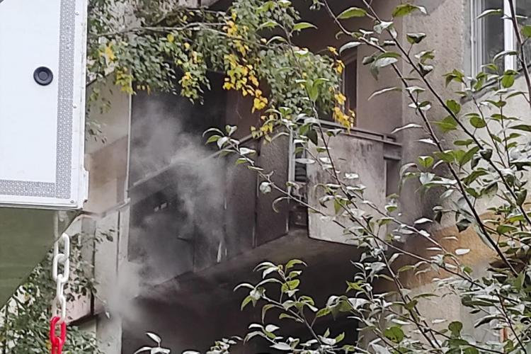 Incendiu la un apartament pe strada Fabricii de Zahăr - FOTO