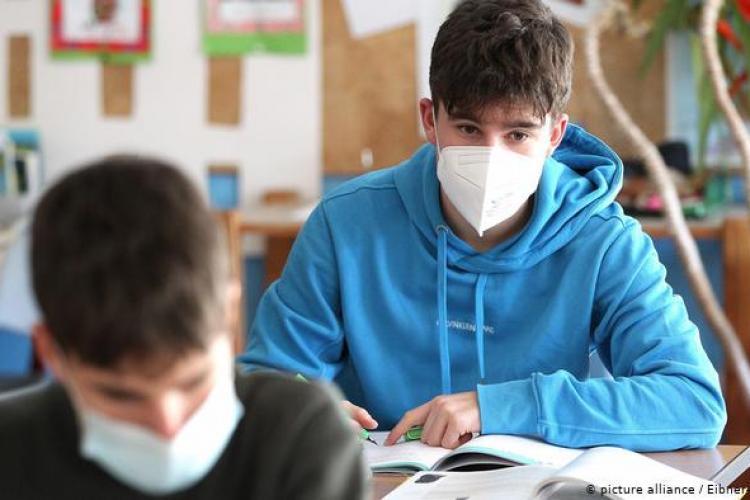 """Elevii vor școlile deschise, dar cu reguli de protecție sanitară: """"Avem nevoie de măsuri concrete pentru o educație de calitate în vreme de pandemie"""""""