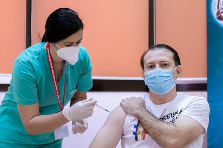 Florin Cîțu se vaccinează astăzi cu doza trei de vaccin împotriva COVID-19
