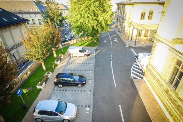 Parcarea de LUX de la Spitalul Clinic Județean Cluj are NUMAI 12 locuri pentru pacienți și 264 pentru angajați, ambulanțe și aprovizionare