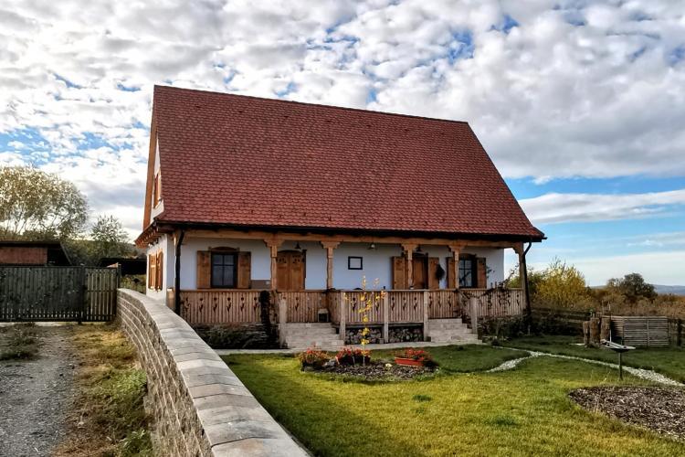 Casa minunată din Feleacu, cum nu se mai construiesc! Arhitecții au fost atenți la detalii - FOTO