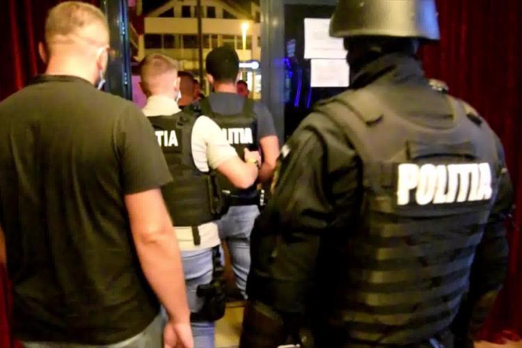 Cluj-Napoca: Polițiștii au depistat un club de manele din Mănăștur, în care era petrecere noaptea la 3.00