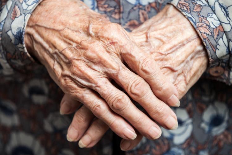 """Pacientă de 80 de ani, dialog cu medic UPU: """"Nu m-am vaccinat, am auzit că o să rămân sterilă"""