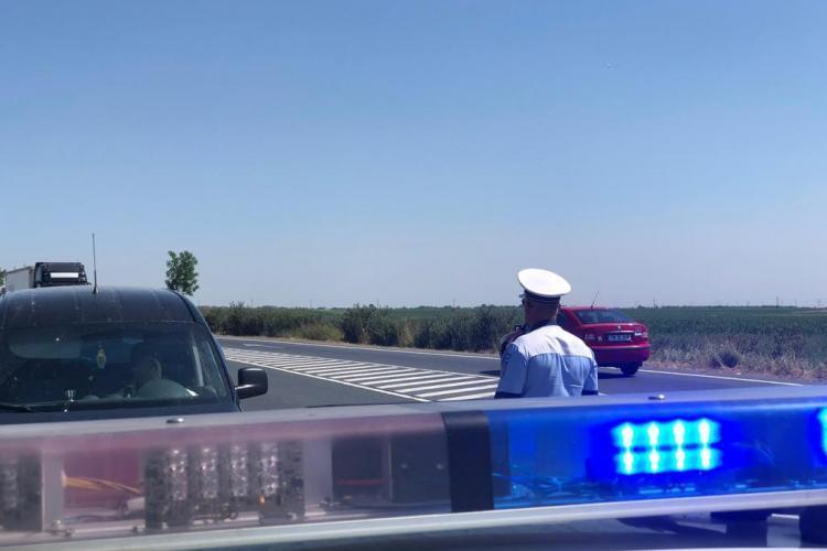 """Polițiști din Florești, prinși când luau mită de la șoferi pentru a nu-i amenda. Cât era """"cadoul"""" cerut de oamenii legii"""