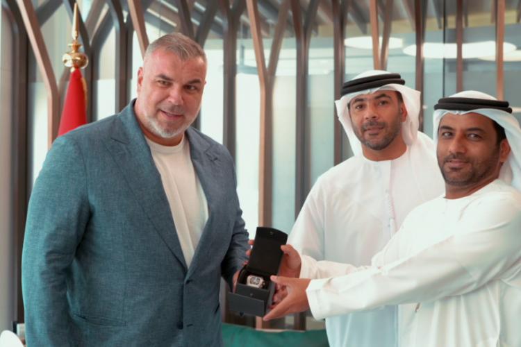 Cosmin Olăroiu și-a recuperat în Dubai ceasul furat în Italia - FOTO