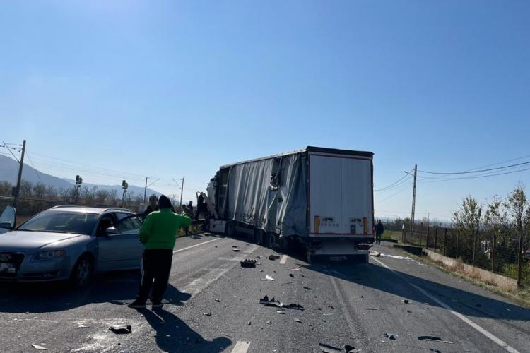 Accident pe drumul Cluj - Gherla, între Iclod și Livada. Traficul a fost blocat - FOTO
