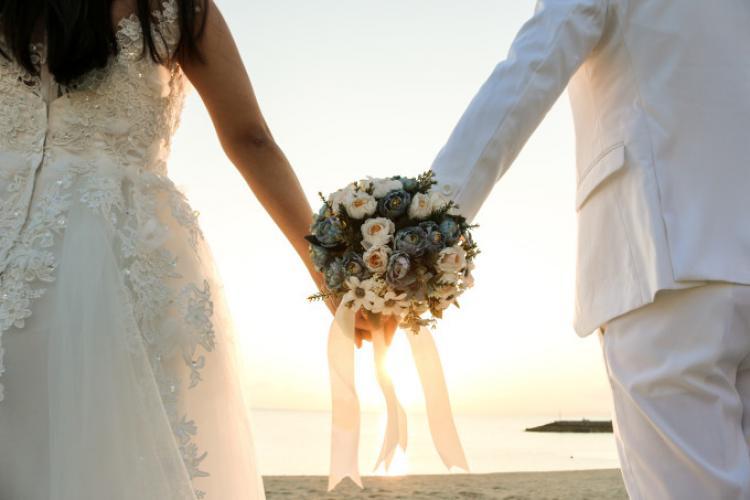 Nuntă fără mire, din cauza infectării cu COVID-19. Era prea scump să amâne