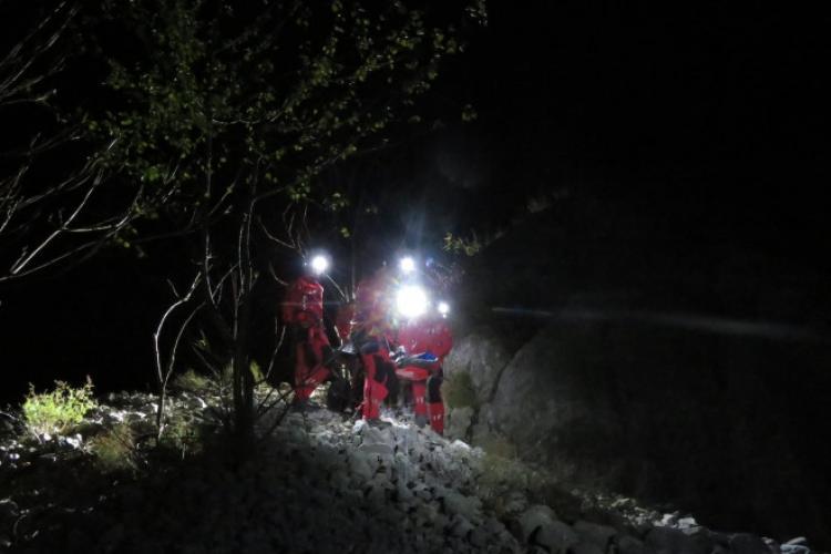 Trei turiști clujeni s-au rătăcit noaptea în munți, la Sălciua. A fost necesară intervenția salvamontiștilor