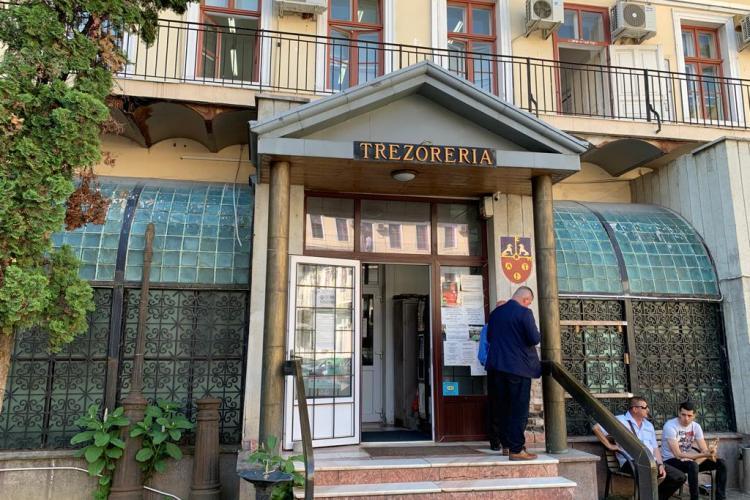 Cluj: De luni, intră la Finanțe, Primărie etc numai cei vaccinați, testați sau au trecut prin boală. La biserică se intră liber