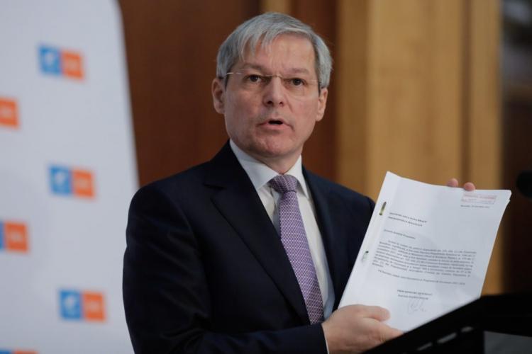 """Prima reacție după ce guvernul propus de Cioloș a fost RESPINS: """"Ei sunt cei care au prelungit criza"""""""
