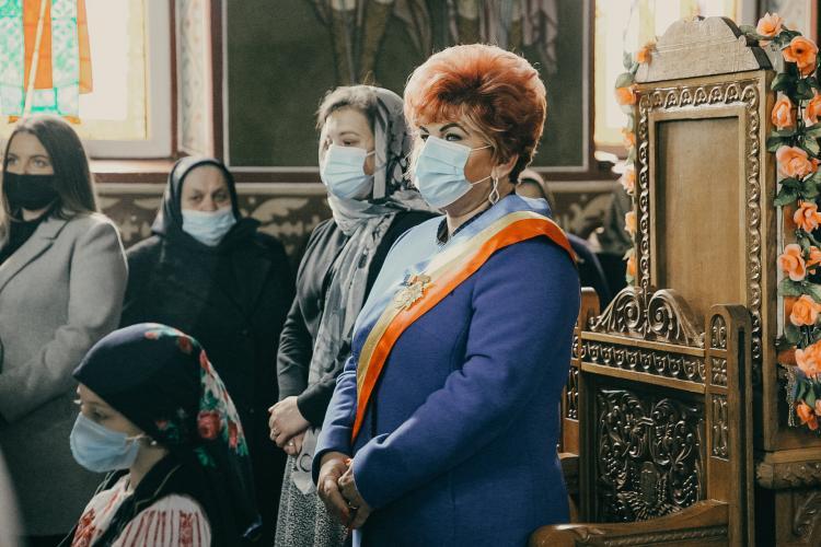 """Primarul comunei Chinteni, Lucia Suciu, a primit Ordinul """"Episcop Nicolae Ivan"""" din partea Mitropoliei Clujului - FOTO"""