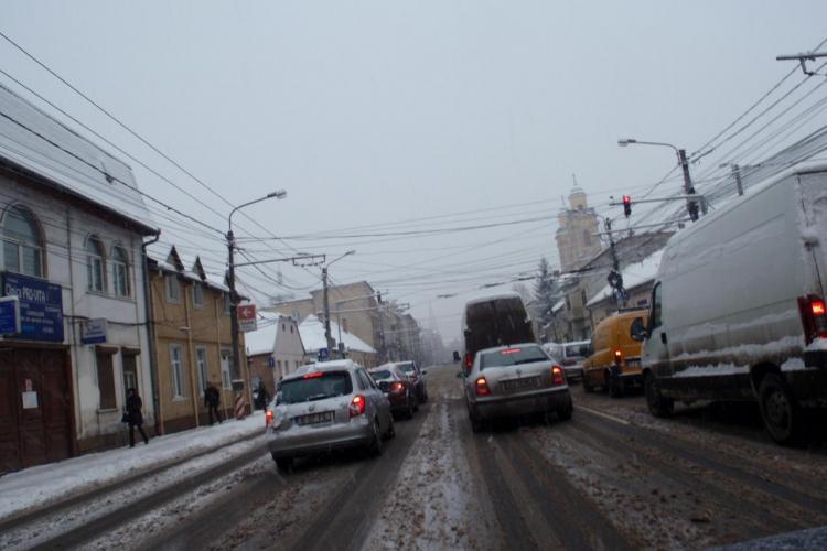 Firma Brantner nu a curatat de zapada drumurile din Someseni - Marasti nici pana la ora 10.00! - STIREA CITITORULUI - FOTO