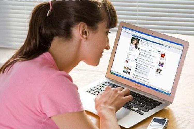 Daca iesi la agatat pe Facebook, atunci aplicatia aceasta iti e vitala! VEZI detalii