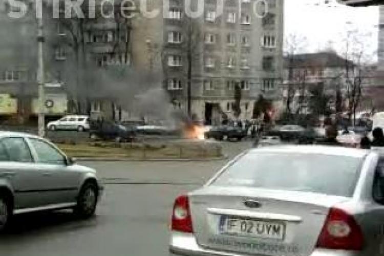 Vezi si alte imagini cu masina care a ars pe strada Primaverii! - VIDEO