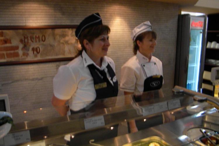 300 de clienti pe zi la restaurantul Primariei de pe strada Memorandumului