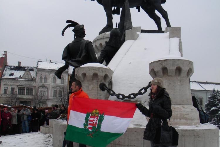 Steagul Ungariei, afisat la manifestarea organizata de UDMR in cinstea lui Matei Corvin! - VIDEO si FOTO