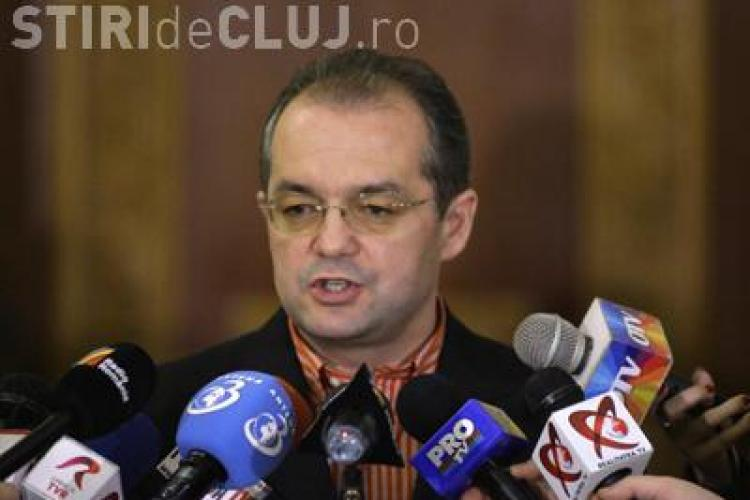 Emil Boc: Orice demnitar care va fi urmarit penal va fi demis!