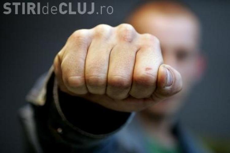 Politist din Capusu Mare, lovit cu pumnul in fata de un sofer beat!