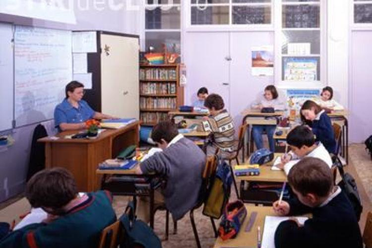 Rata absentelor in scoli a crescut cu 71% intr-o saptamana, din cauza bolilor de sezon