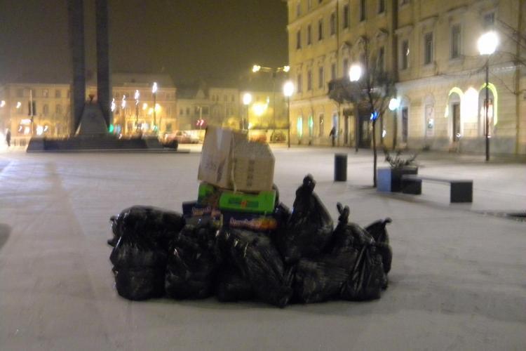 Gunoaie stivuite pe Bulevardul Eroilor, ca in Napoli! STIREA CITITORULUI - Galerie FOTO