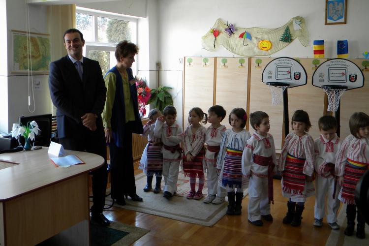 Primarul Sorin Apostu, despre copiii care au dansat pe Imnul PDL: A fost un derapaj al cadrelor didactice!