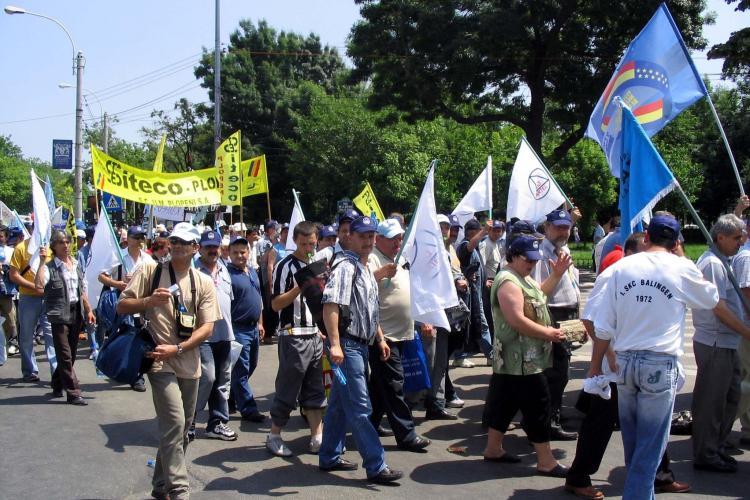 500 de sindicalisti clujeni merg miercuri la miting in Bucuresti