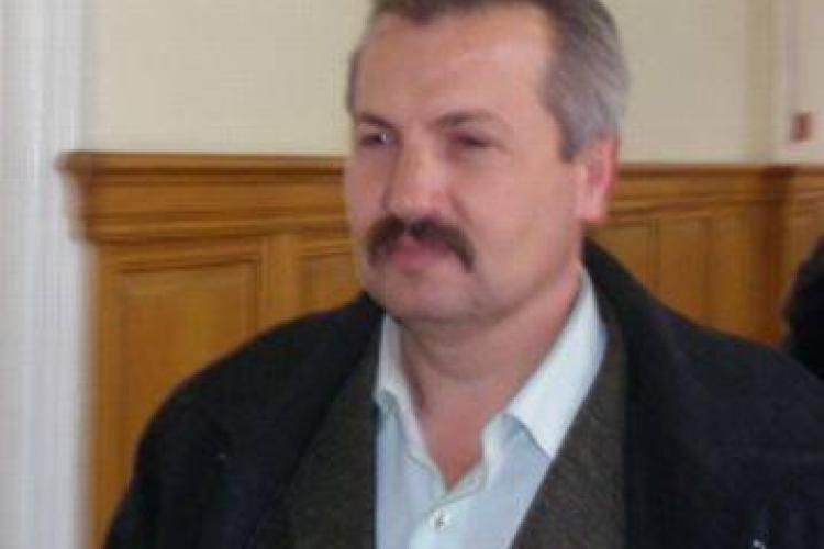 Primarul din Calatele, Petru Toadere, repus in functie de prefectul Stamatian, desi este condamnat pentru luare de mita! - EXCLUSIV