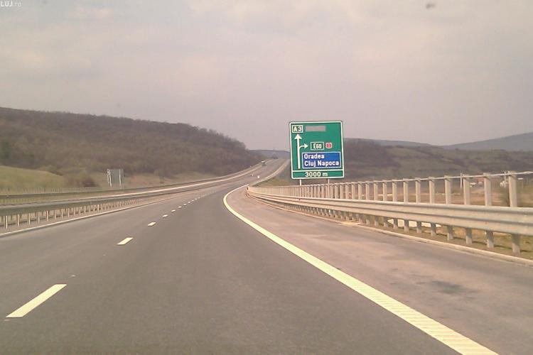 Un incendiu de vegetatie a afectat traficul pe Autostrada Transilvania