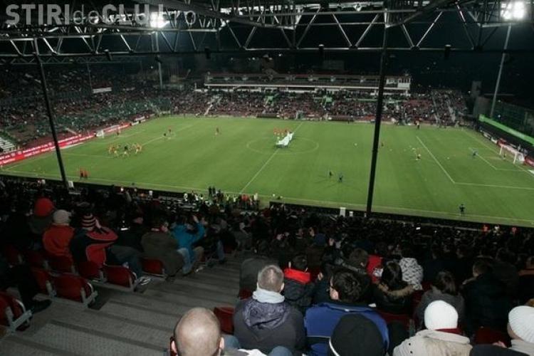O camera video de 120.000 de euro a cazut de pe stadionul CFR Cluj in timpul meciului cu FC Timisoara!