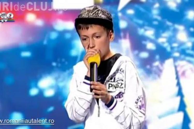 """Cosmin Agache a facut beatbox -ing la """"Romanii au talent"""" si a ridicat sala in picioare! - VIDEO"""