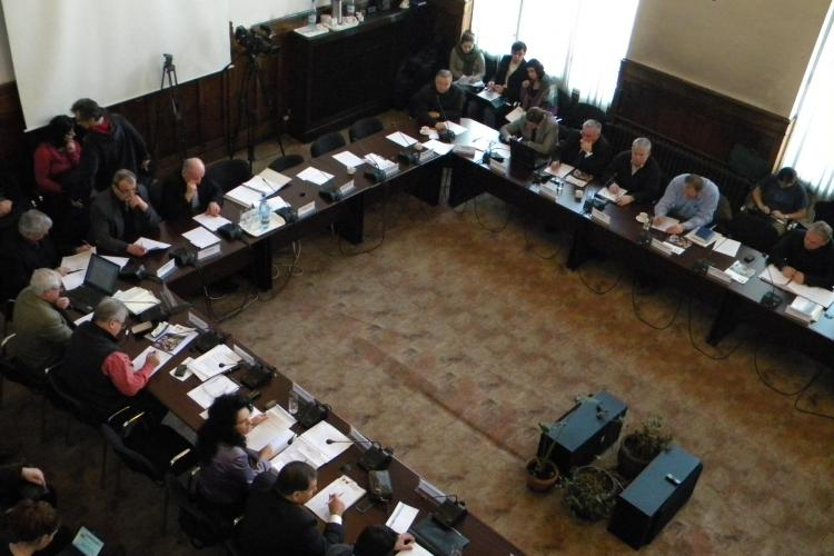U Cluj si CFR Cluj, sustinute din bugetul Consiliului Judetean! VEZI cati bani au incasat Paszkany si Walter