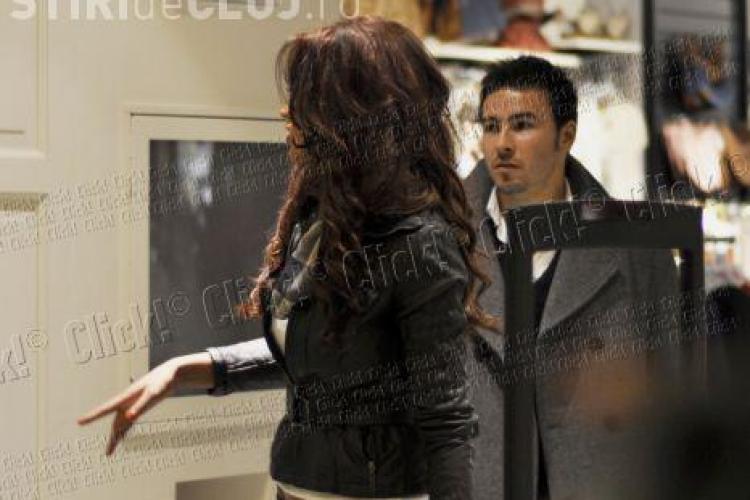 Bianca Dragusanu si Adrian Cristea, de mana in Iulius Mall Cluj! - FOTO