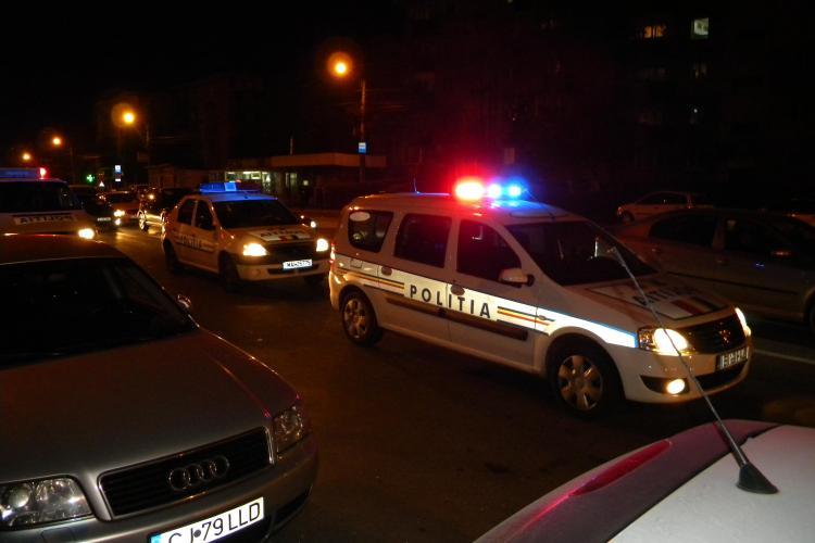 Accident in Piata Marasti! Doua fete de 15 si 16 ani au fost spulberate de o masina