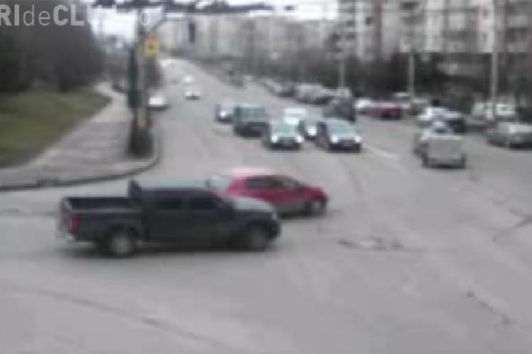 Un sofer beat a ranit trei persoane si a avariat trei masini intr-un accident pe strada Campului - VIDEO camera de supraveghere