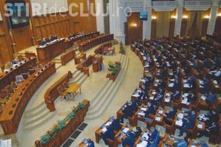 Cele doua motiuni simple de cenzura au fost respinse in Camera Deputatilor