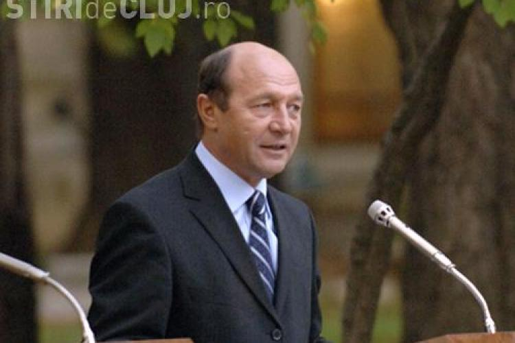 """Basescu a facut o """"vizita"""" la Spitalul Militar din Bucuresti pentru analize"""