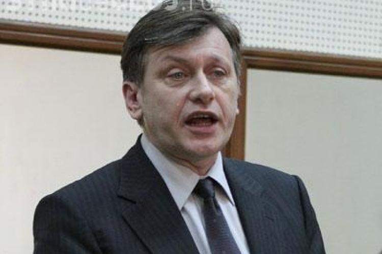 Crin Antonescu: PNL va avea dezertori indiferent cine va castiga alegerile din partid