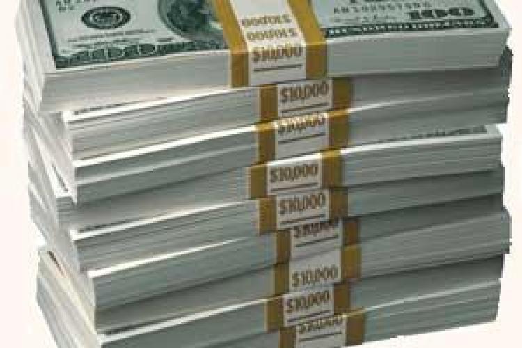 Restantele clujenilor catre banci au crescut intr-o luna cu 71 de milioane de lei