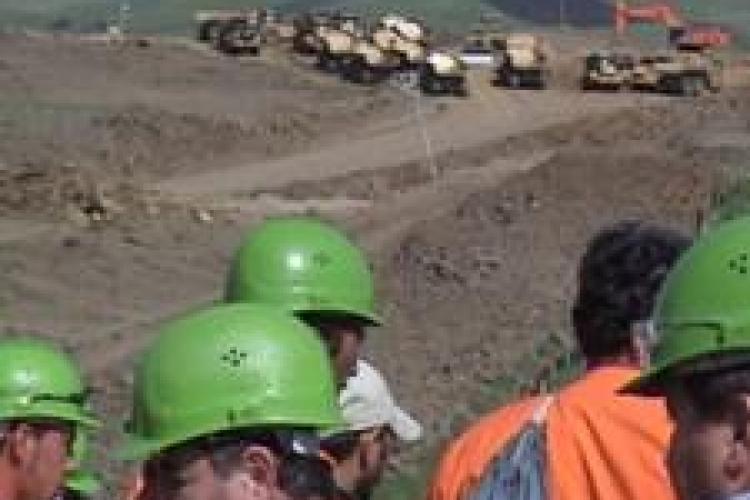 """Se lucreaza cu """"spor"""" la autostrada Transilvania...prin birouri, spune liderul de sindicat"""