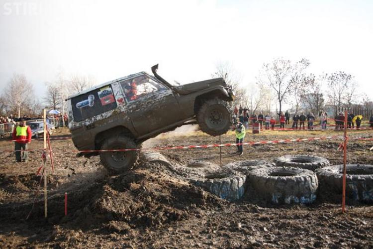 Monstrii 4X4 se vor intrece intr-o cursa off-road, in acest weekend, la Polus Center - VIDEO