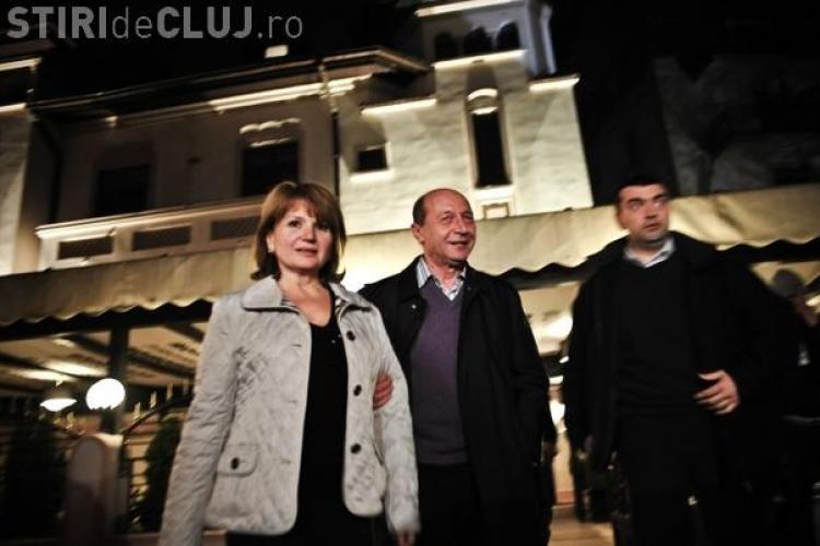 Basescu catre ziaristi: Sunt mai sanatos decat toti patronii vostri si la minte si la corp