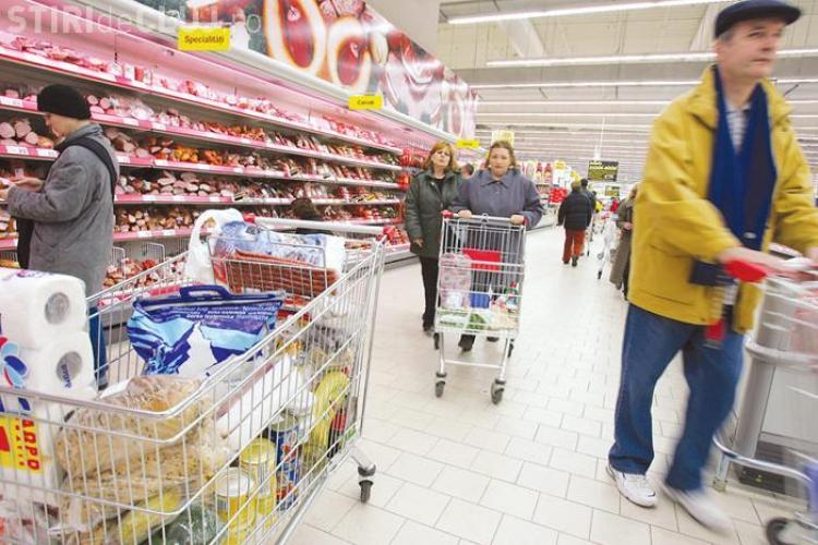 24 de kilograme de alimente expirate au fost retrase din supermarket -urile din Cluj