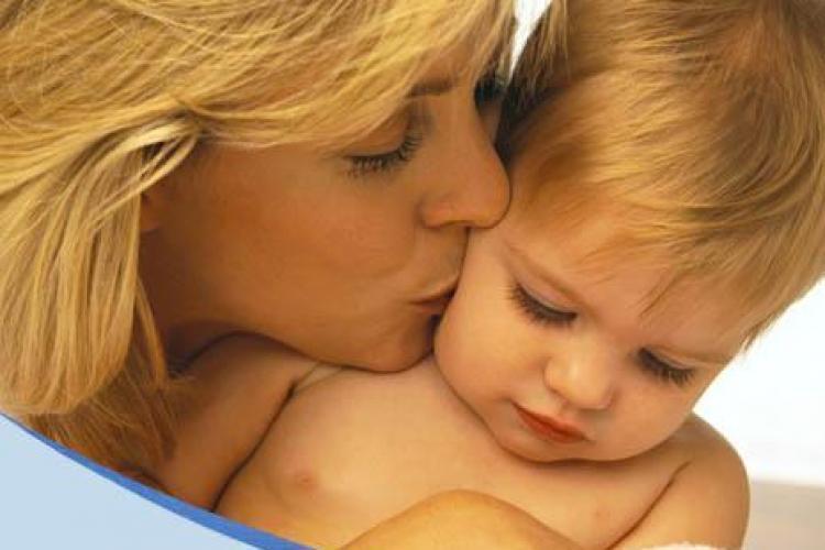 Mamele din Cluj vor primi banii pentru bebelusi si alocatiile in 45 de zile