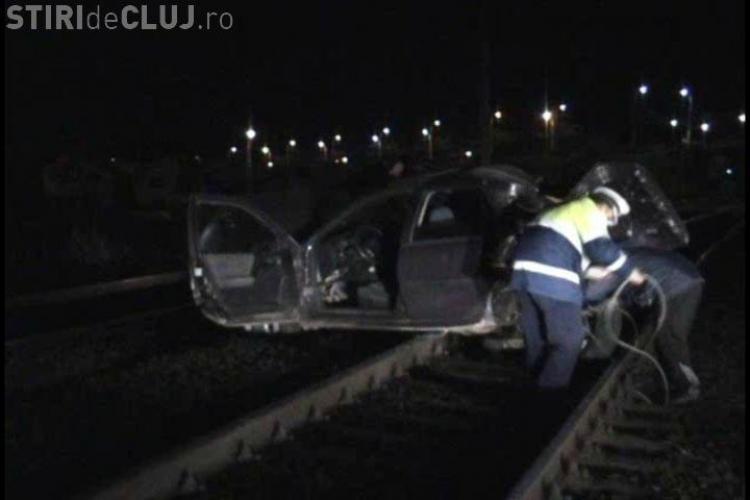 O masina a fost spulberata de un tren intr-un accident la podul de la IRA din Cluj-Napoca- VIDEO
