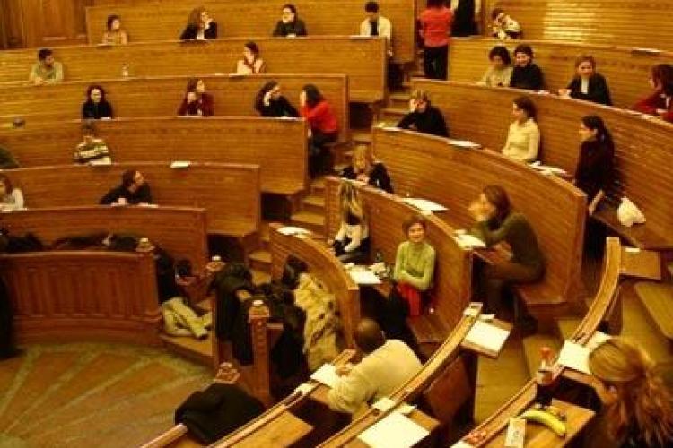 Britanicii nu mai au loc la facultate din cauza tinerilor din Romania, Lituania si Letonia