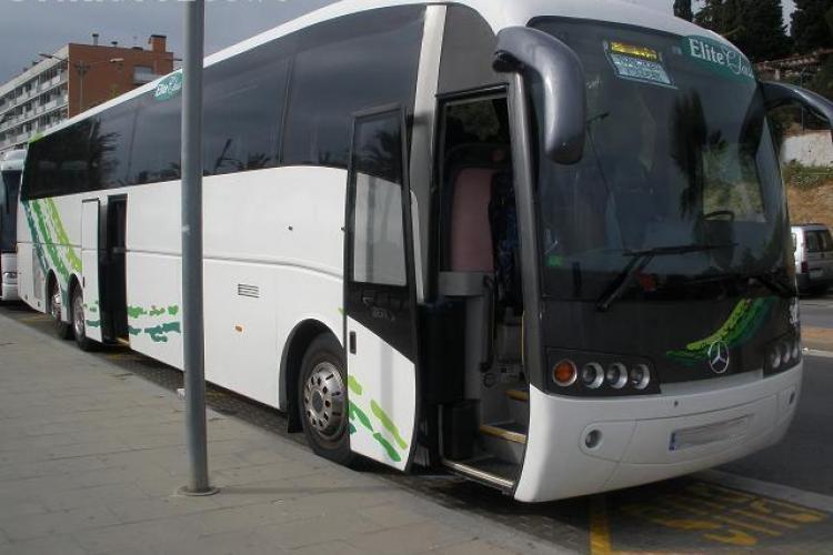 Primul autocar de 73 de locuri, neetajat a aparut si in Romania