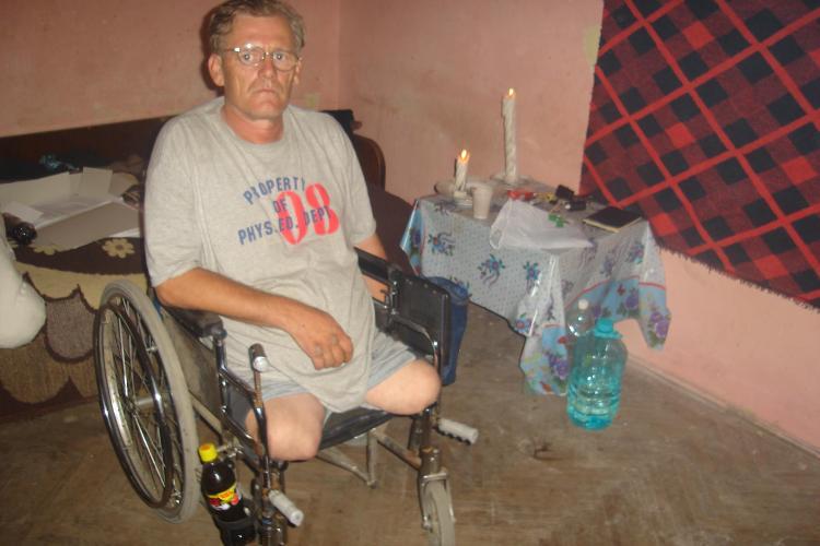 EXCLUSIV: Un clujean fara picioare a pornit in ocolul pamantului pentru a doua oara...in scaunul cu rotile