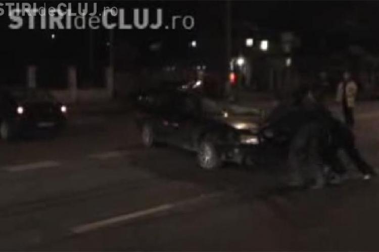 Accident pe strada Corneliu Coposu, din Cluj-Napoca. Soferul unui autoturism Audi a ajuns in stare grava la spital- VIDEO si FOTO