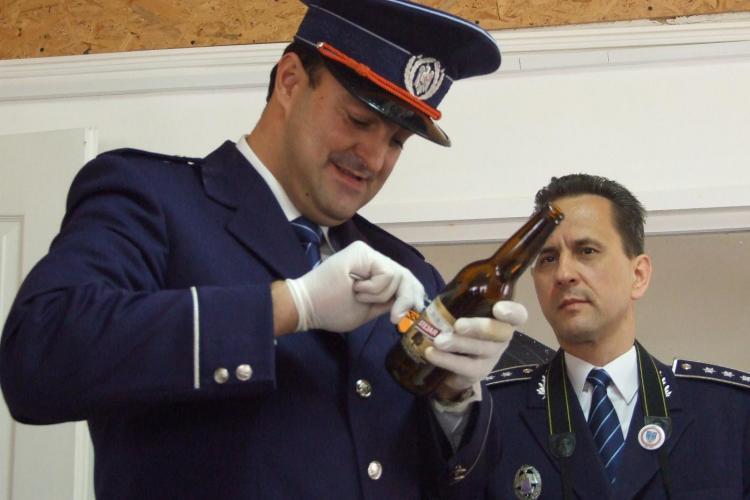 """Primarul Clujului Sorin Apostu a fost astazi """"politist""""! A tras cu arma, a prelevat probe de la un jaf  si s-a autoaparat! - VIDEO"""