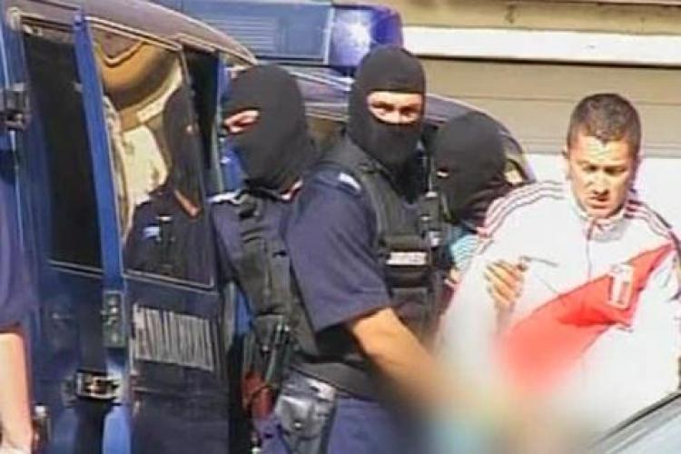 Conturile mai multor clujeni au fost sparte de 7 hackeri craioveni. Paguba este de 25.000 de lei